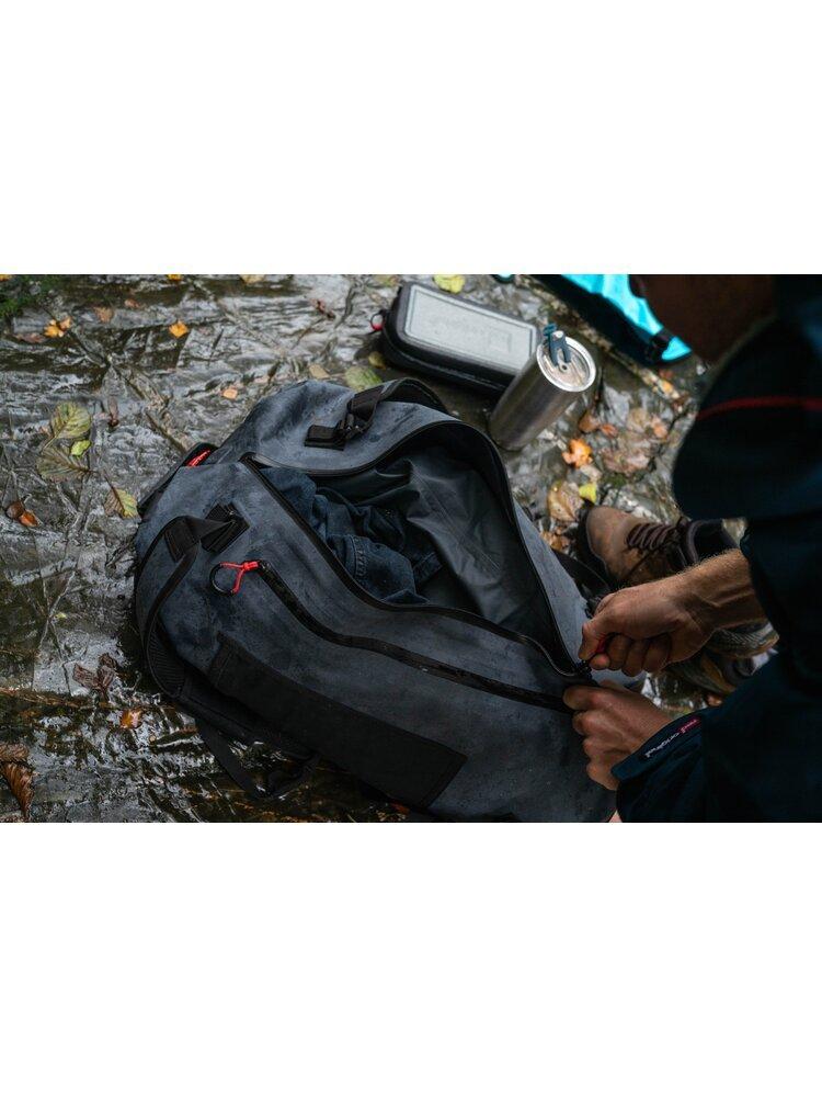 Vandeniui atsparus sportinis krepšys (60L)