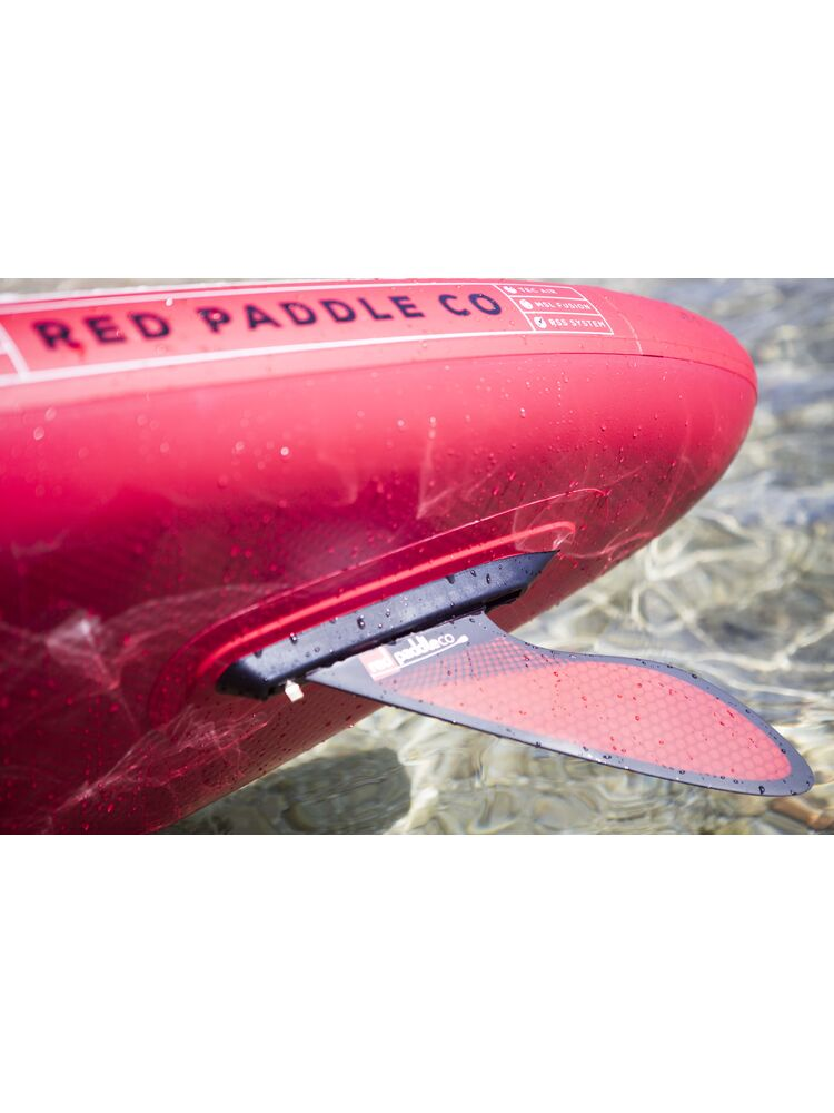 Red paddle co lenktyninis pelekas (FIN)